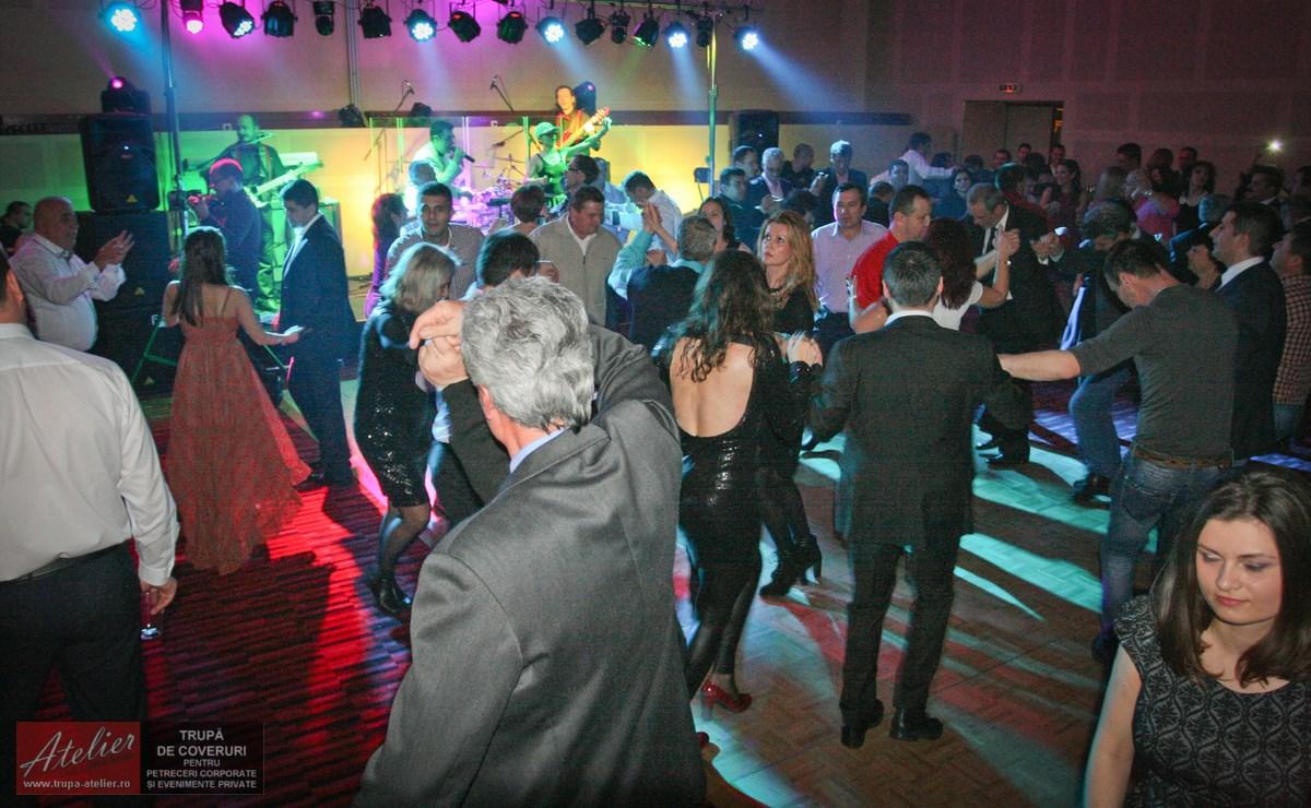 Trupă petrecere firma Novotel