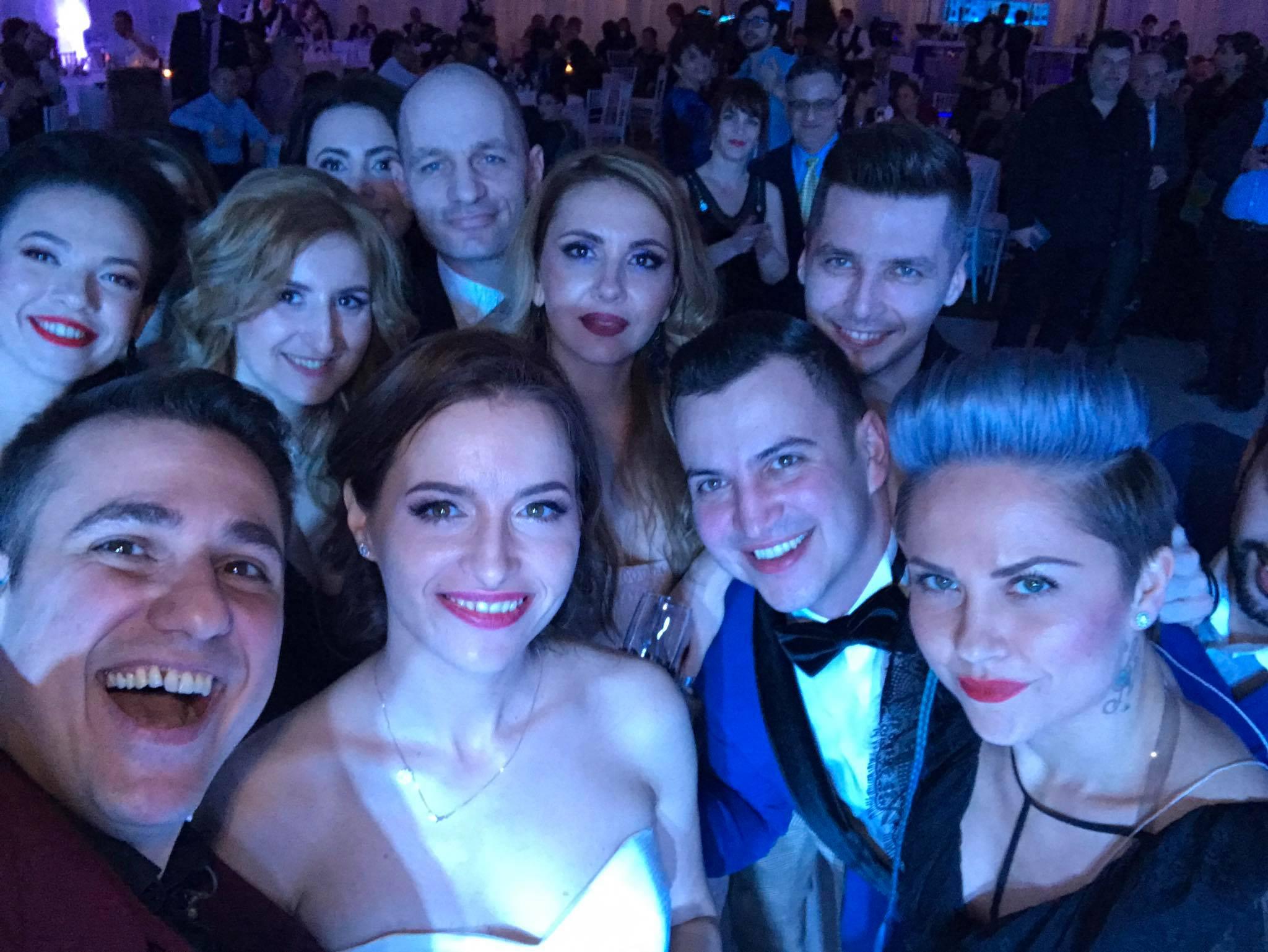 Roxana-Andrei-selfie-la-nunta